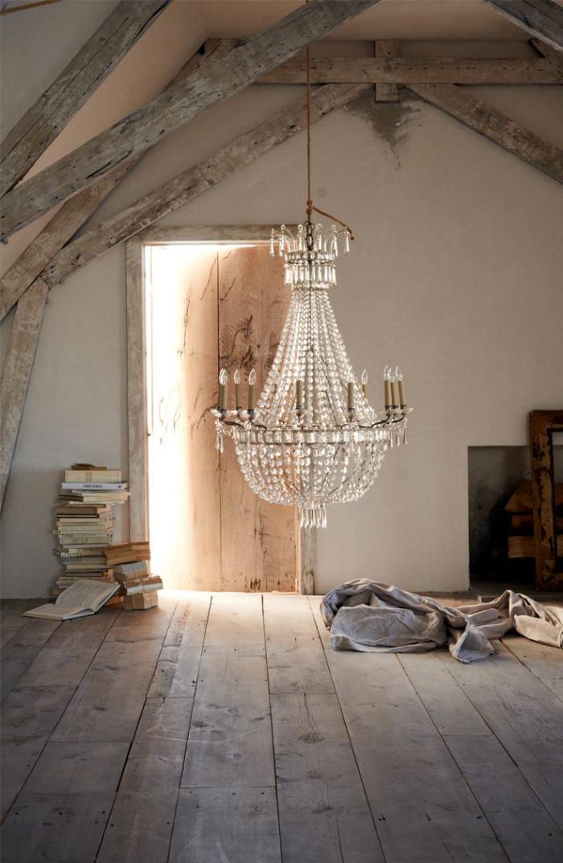 grand-lustre-décor-loft-et-chandelier-pampilles-en-cristal