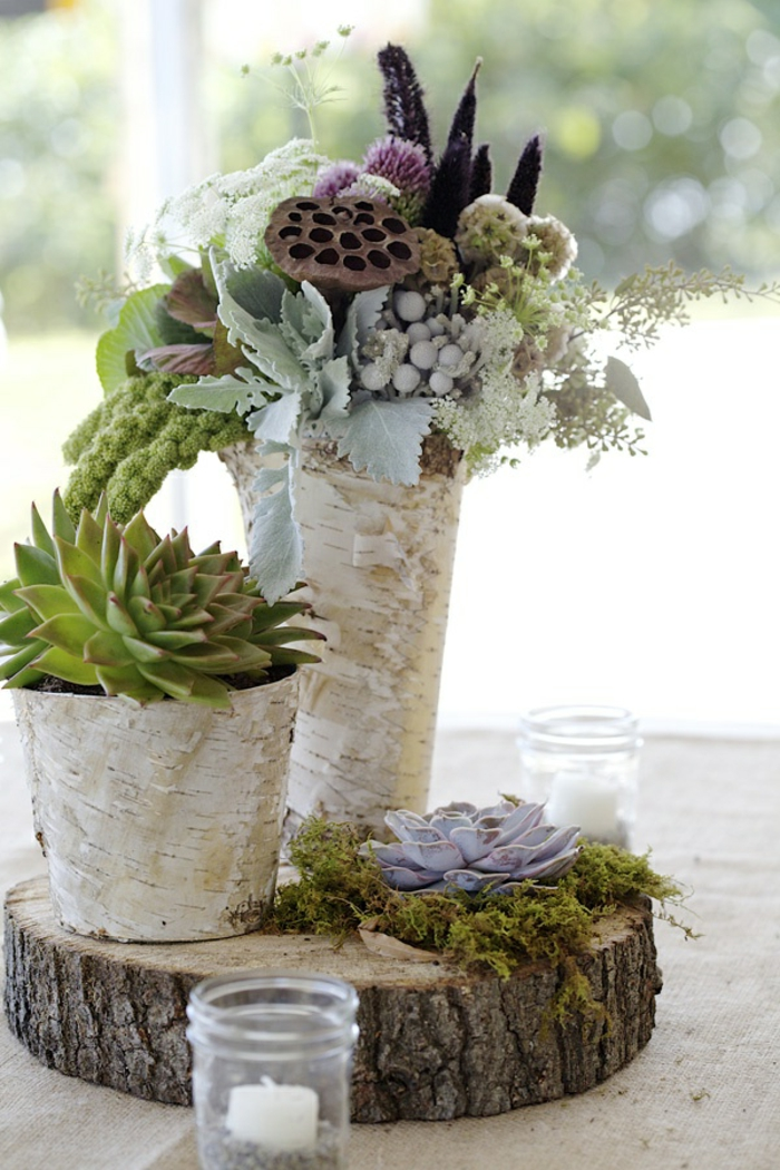 gros-bouquet-de-fleurs-sur-la-table-comment-decorer-la-table-avec-bouquet-champetre-idee