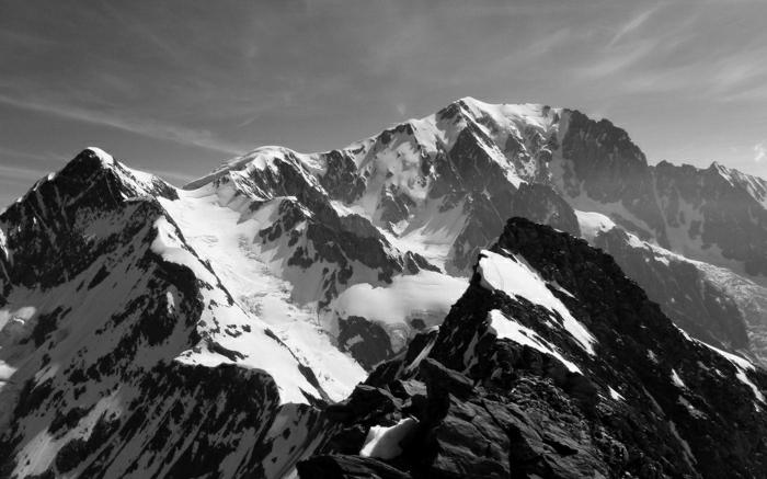hauteur-de-neige-enneigement-alpes-photographie-soumets-gris