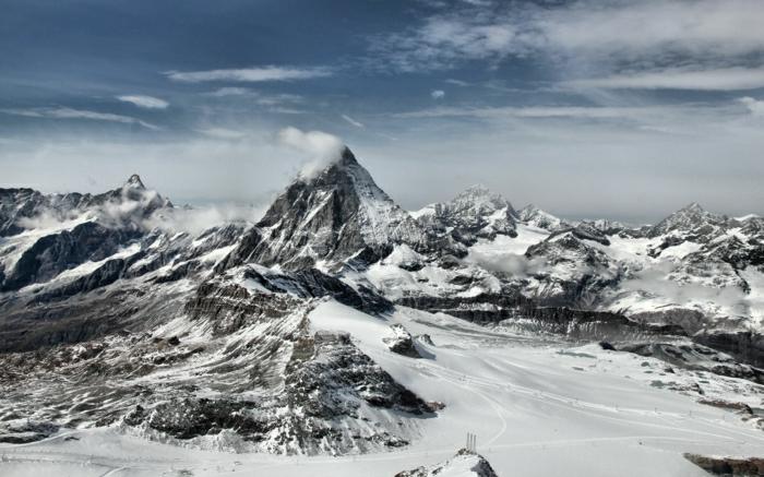 hauteur-de-neige-enneigement-alpes-photographie-soumets-neige-blanche