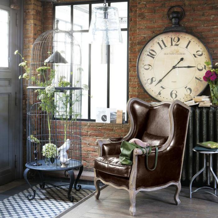horloges-murales-grande-horloge-vintage-fauteuil-en-cuir-décoration-cage