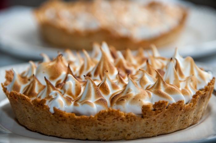 idée-déco-de-table-gâteau-tarte-au-citron-delicieuse