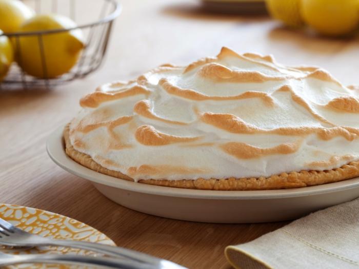 idée-décoration-de-table-gâteau-tarte-au-citron-idées-bonne-maman-grand-mere