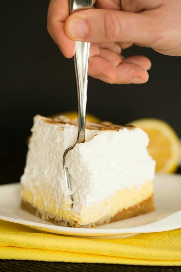 idée-décoration-de-table-gâteau-tarte-au-citron-pièce-délicieux