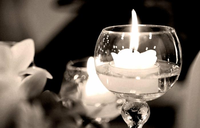 idées-mariage-originale-décoration-avec-bougies-belle