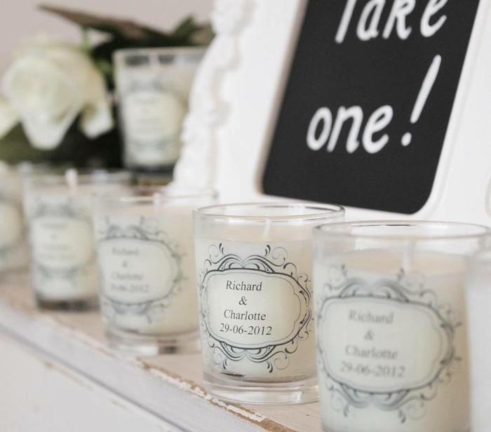 idées-mariage-originale-décoration-avec-bougies-couple
