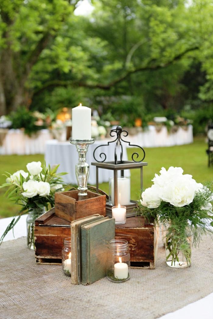 idées-mariage-originale-décoration-avec-bougies-jardin