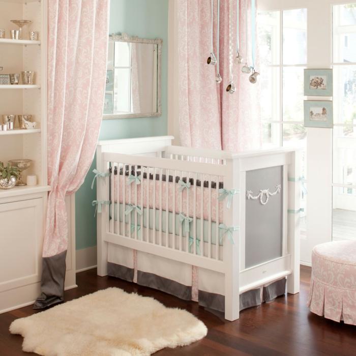 idee-deco-chambre-bebe-fille-accessoiriser-la-chambre-beau