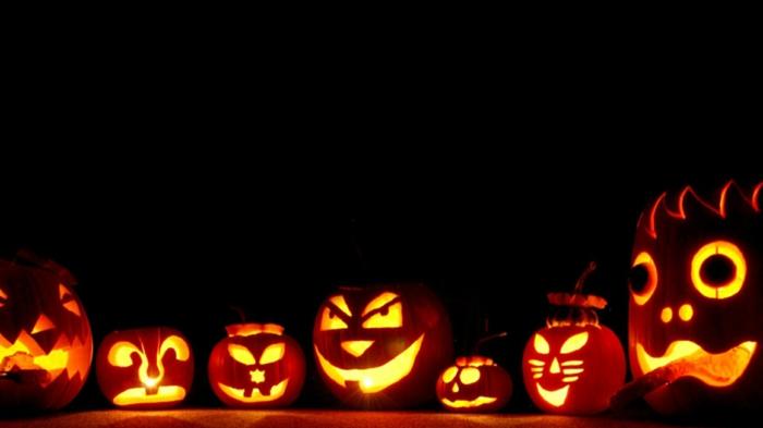 image-citrouille-Halloween-déco-maison-Toussaint-pumpkin-en-noir-éclairage