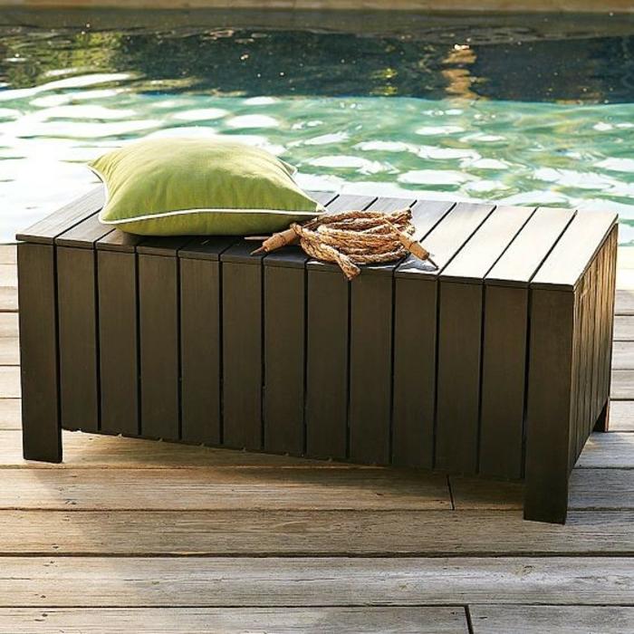 jardin-banc-de-rangement-près-de-la-piscine-eau-coussette-vert-resized