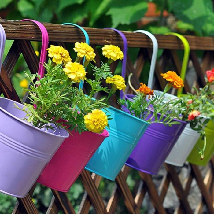 jardiniere-balcon-fleurir-son-balcon-avec-ces-jolis-fleurs-jaunes-exterieur