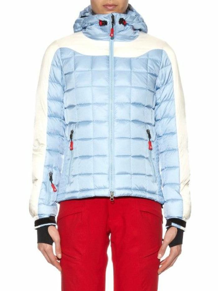 joli-anorak-ski-femme-pas-cher-bleu-blanc-pour-les-filles-modernes-pantalon-rouge