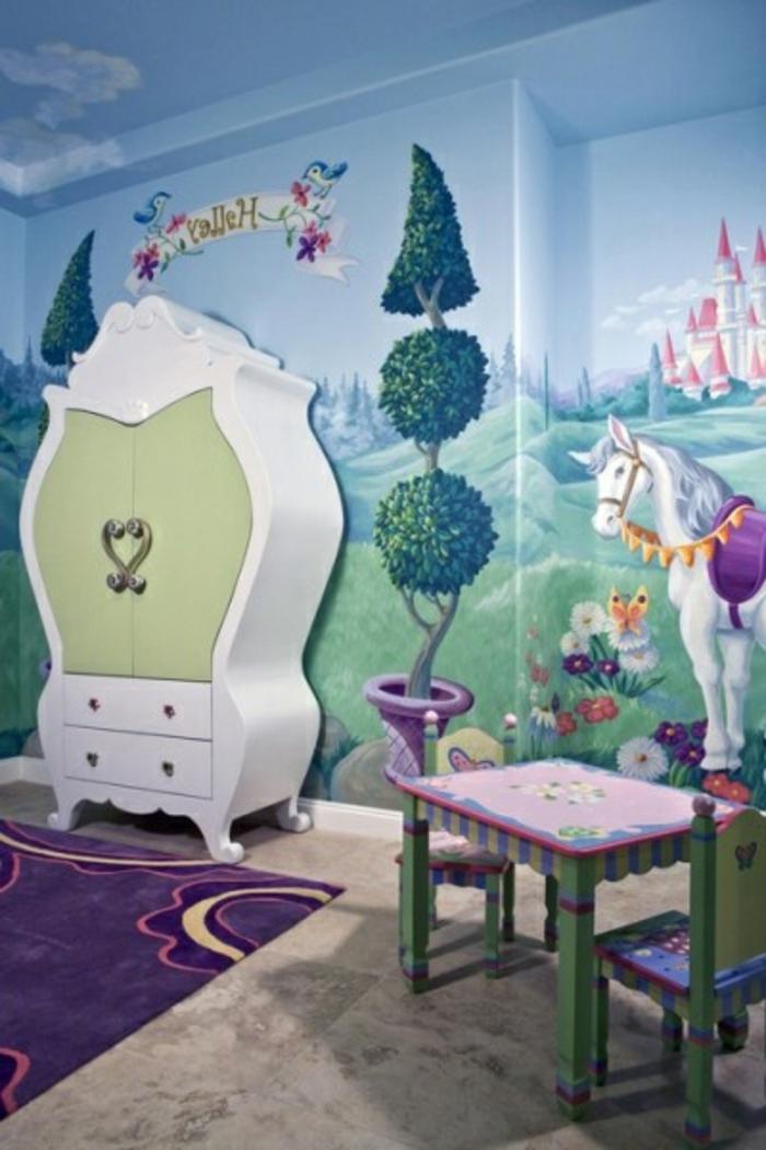 joli-armoir-blanc-vert-pour-la-chambre-d-enfant-fille-peinture-peint-coloré-tapis-violet