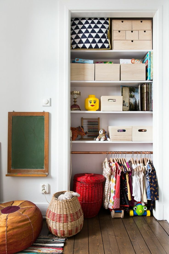 joli-armoire-incastré-armoire-enfant-ikea-pas-cher-pour-la-chambre-d-enfant-meubles-blancs