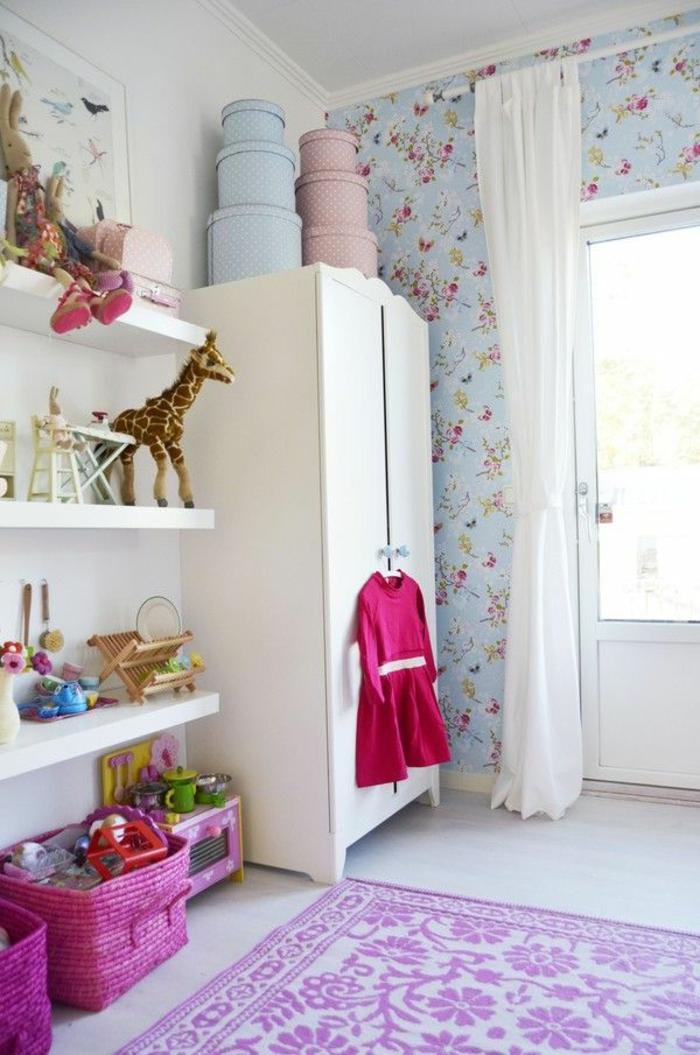 l39armoire enfant en 54 photos qui va vous inspirer With tapis chambre bébé avec top fleuri pas cher
