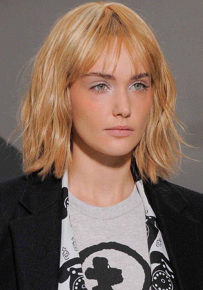 La meilleure coupe de cheveux femme en 45 id es for Comment bien choisir sa coupe et couleur de cheveux