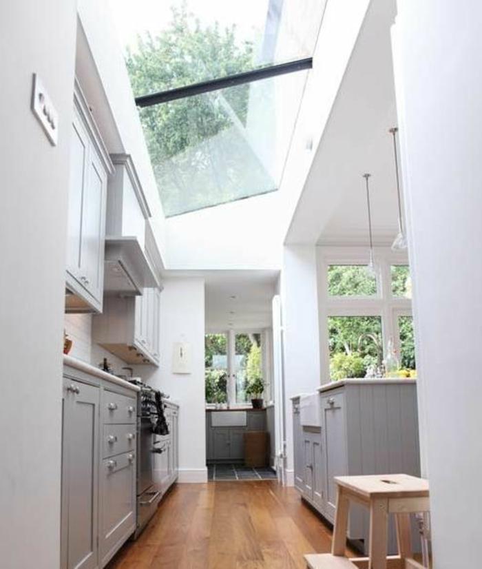 jolie-cuisine-comment-aménager-une-cuisine-originale-rénover-sa-cuisine-moderne-sol-en-planchers