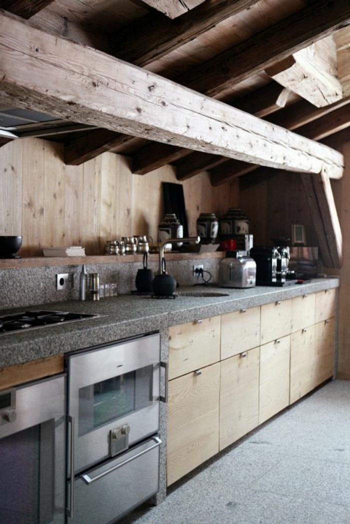 jolie-cuisine-poutre-decorative-poutre-chene-en-bois-massif-dans-la-cuisine