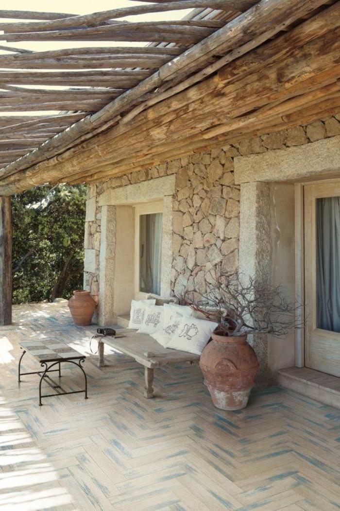 jolie-maison-en-pierres-mur-en-pierre-de-parement-extérieur-de-la-maison-rustique