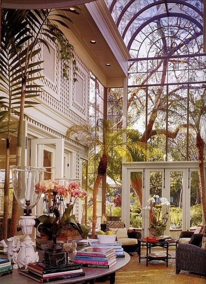 jolie-véranda-en-kit-de-style-retro-chic-devant-la-maison-de-luxe-meubles-d-interieur-modernes