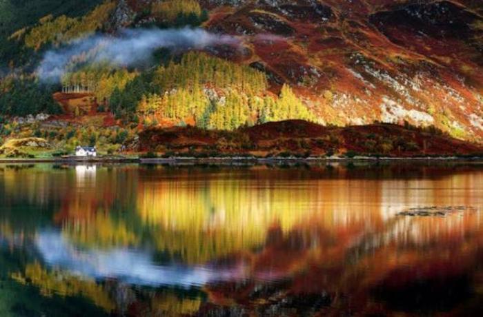 la-beauté-de-la-nature-paysage-automne-saison-lac-de-beauté