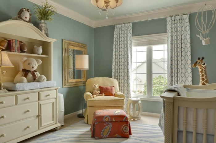 la-deco-chambre-bebe-garcon-chambre-thématique-fauteuil-giraffe