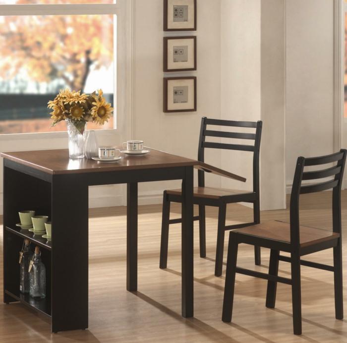 la-salle-à-manger-et-cuisine-aménagement-table-cuisine-pliantechaises-automne