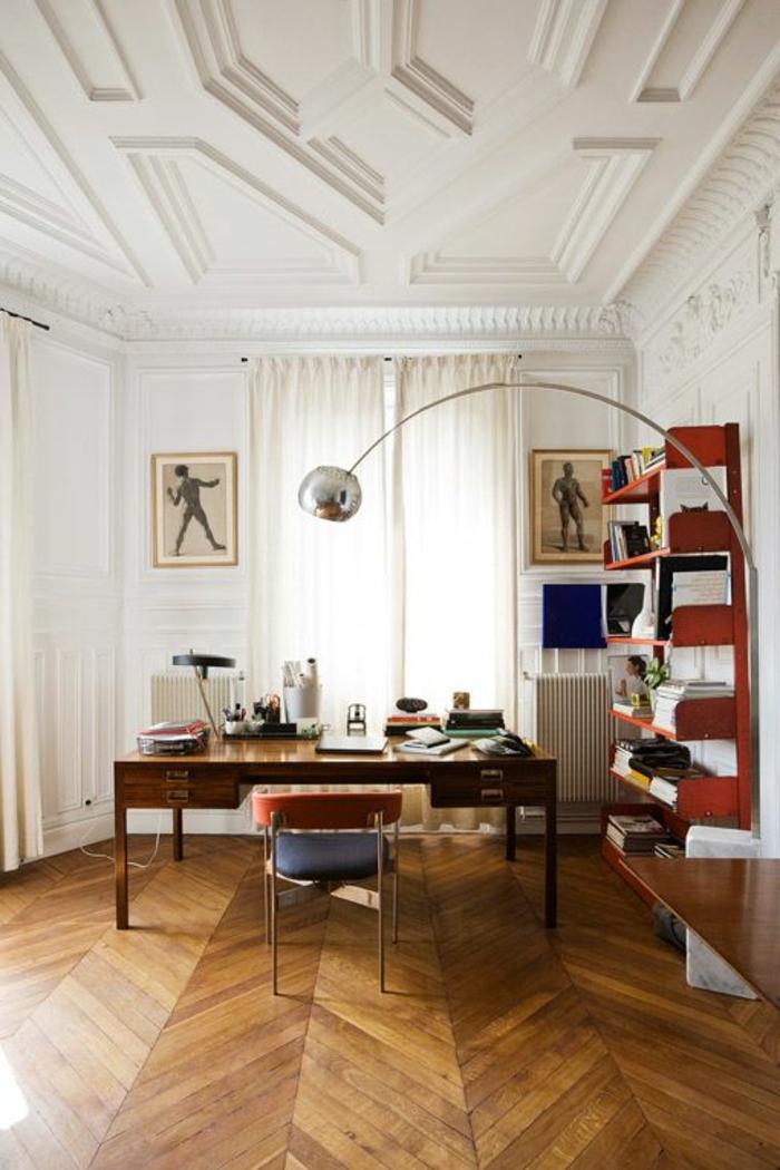 lampadaire-alinea-en-forme-d-arc-pour-le-salon-avec-plafond-et-decoration-de-plafond
