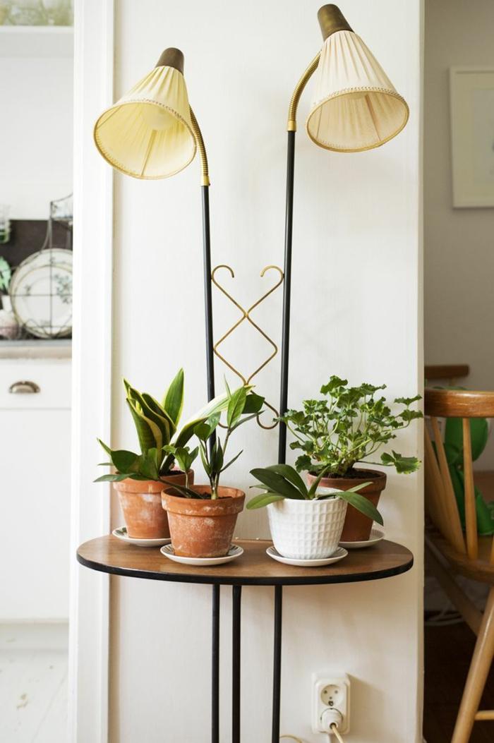 lampe-en-forme-d-arc-lampadaire-alinea-pour-le-salon-plantes-vertes-d-interieur-mur-beige