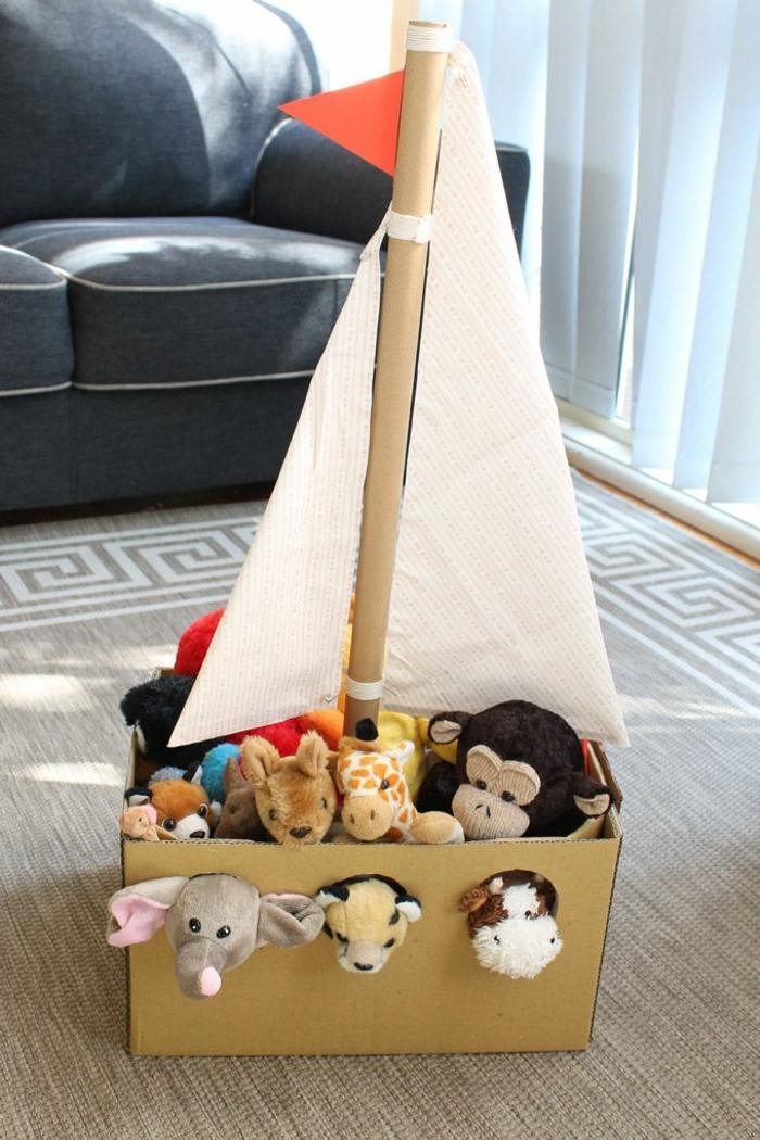 le-coffre-rangement-meuble-rangement-enfant-bateau-carton-peluches