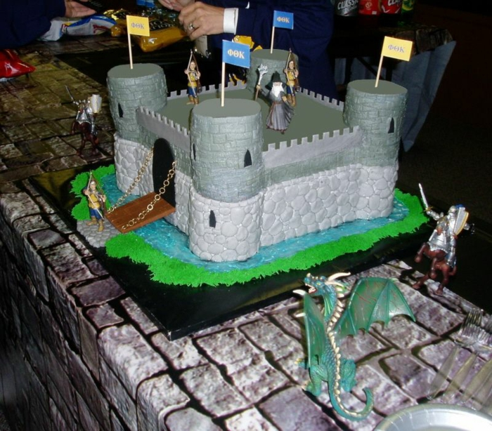 le-gateau-chateau-medieval-dragon-chevaliers-chateau-gateau