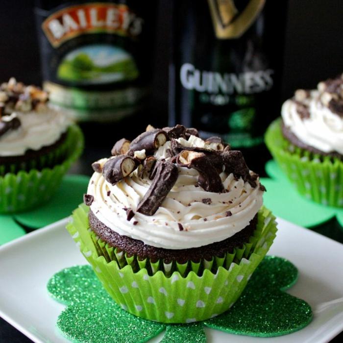 le-glacage-a-cupcake-glacage-pour-cupcakes-déco-gateau