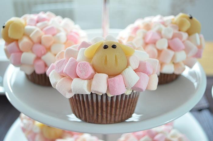 le-glacage-a-cupcake-glacage-pour-cupcakes-mouton-de-marchmellow
