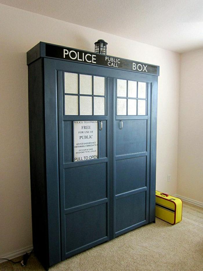 le-lit-abattant-vertical-lit-armoire-lit-relevable-chambre-idée-geek-intérieur