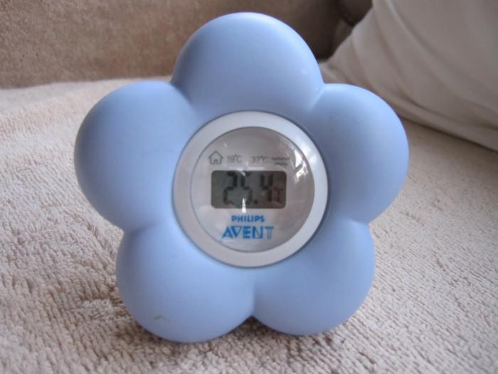 le-thermomètre-chambre-bébé-cool-fleur