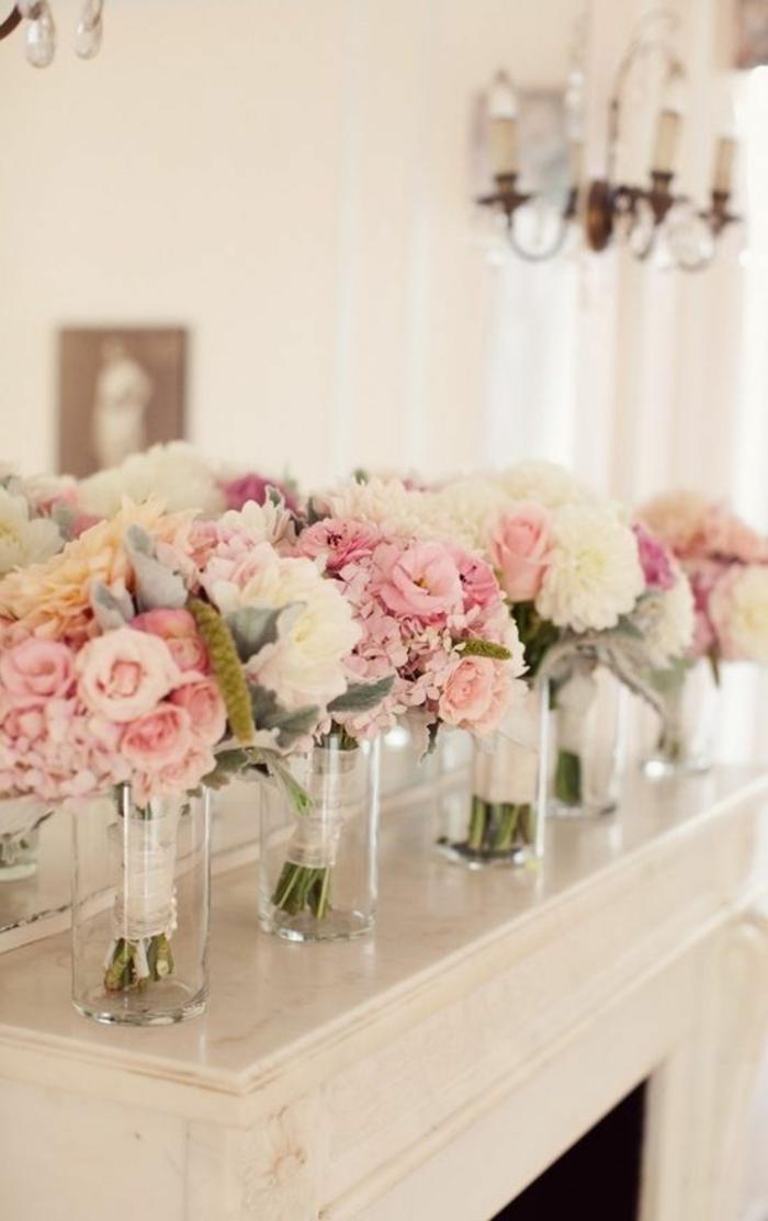 les-plus-beaux-gros-bouquet-de-fleurs-pour-decorer-l-interieur-chez-vous-une-cheminée-en-marbre-blanc