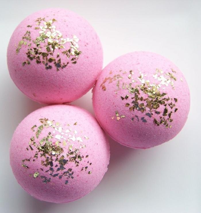 les-produits-lush-boule-de-bain-parfumé-belle-boule-rose