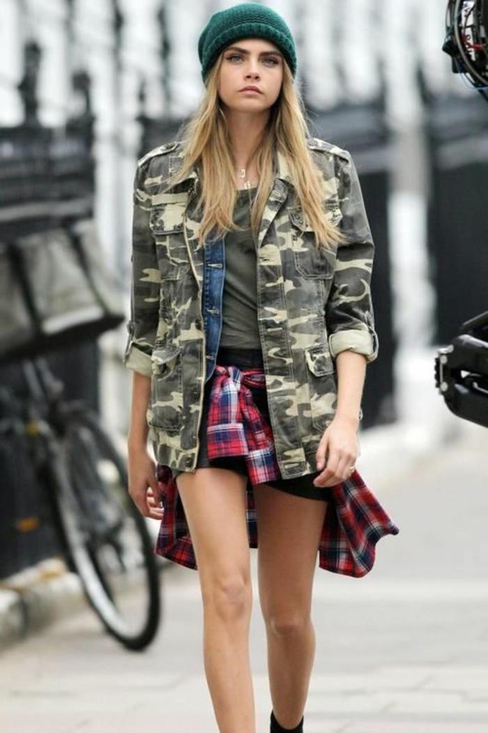 manteau-jolie-veste-militaire-femme-tenue-chic-femme-modèle-victoria-s-secret-tenue-hiver-2014-2015-kara