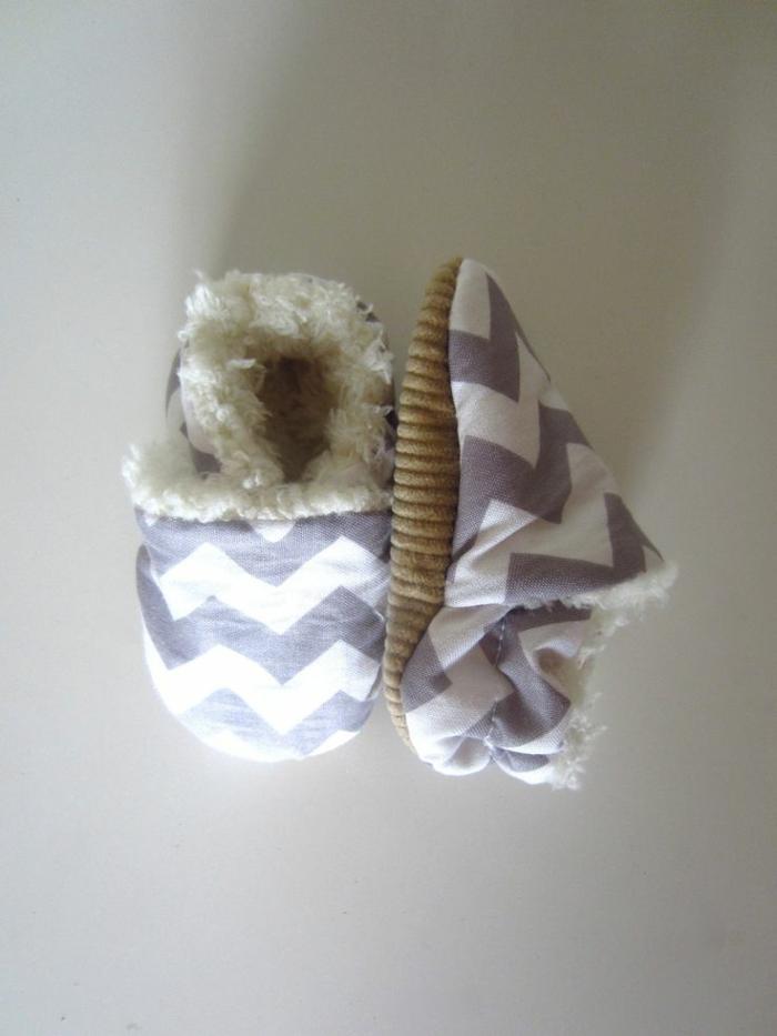 mignon-bébé-pantoufle-enfant-idée-originale-couleur