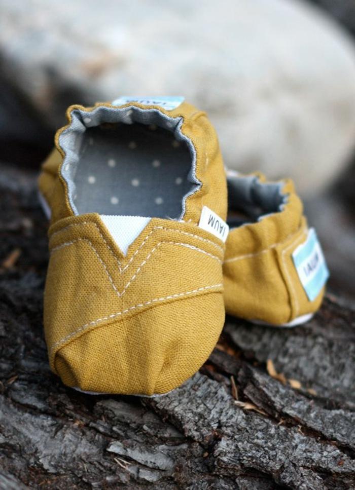 mignon-bébé-pantoufle-enfant-idée-originale-texture
