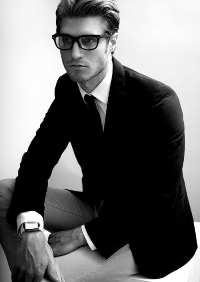 mode-hipster-femme-stylée-lunettes-hipster-noir-et-blanc-image-homme-poli