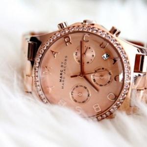 La montre marc jacobs - un accessoire et un bijoux