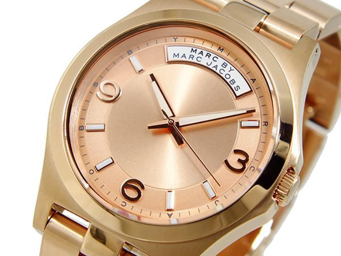 montre-marc-jacobs-façade-rose-bracelet-doré