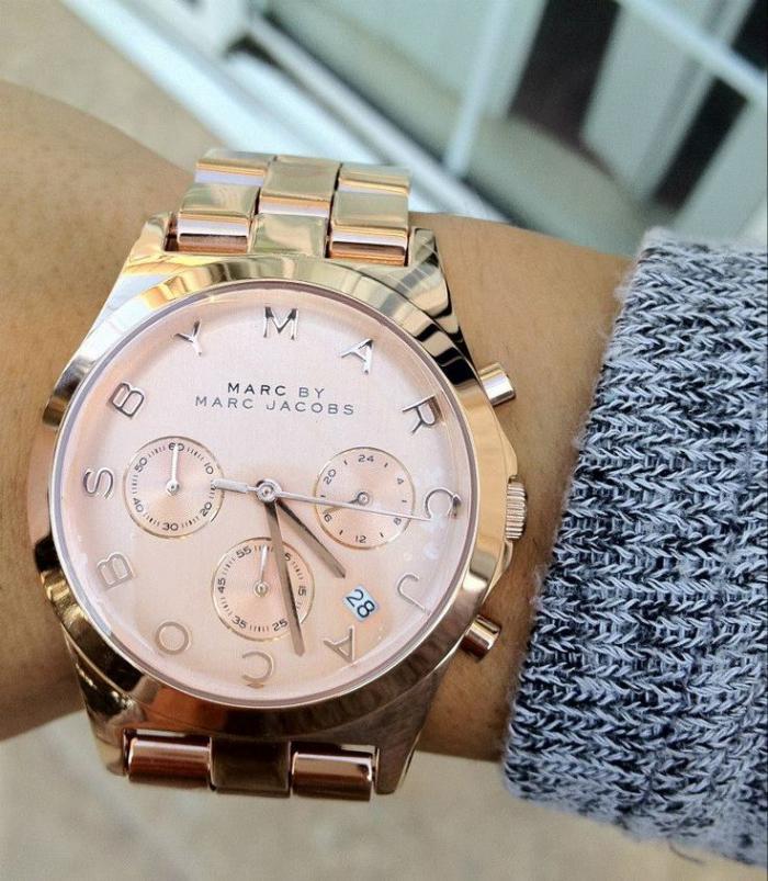 montre-marc-jacobs-modèle-rose-doré-de-jolie-montre