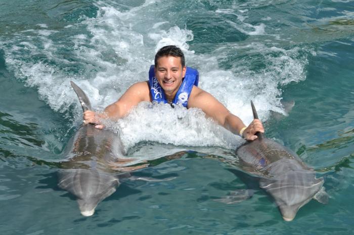 nager-avec-les-dauphins-en-france-europe-cadeau-original-idée-quoi-faire