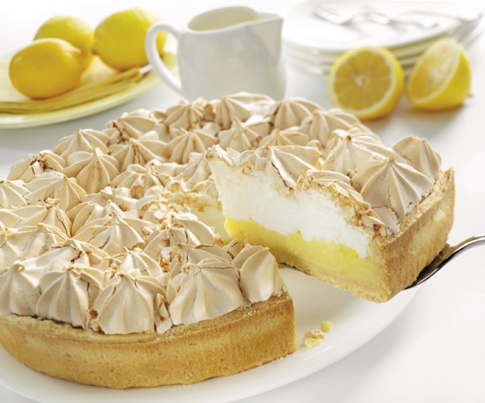 original-meringuée-tarte-citron-délicieux-dessert-meringues