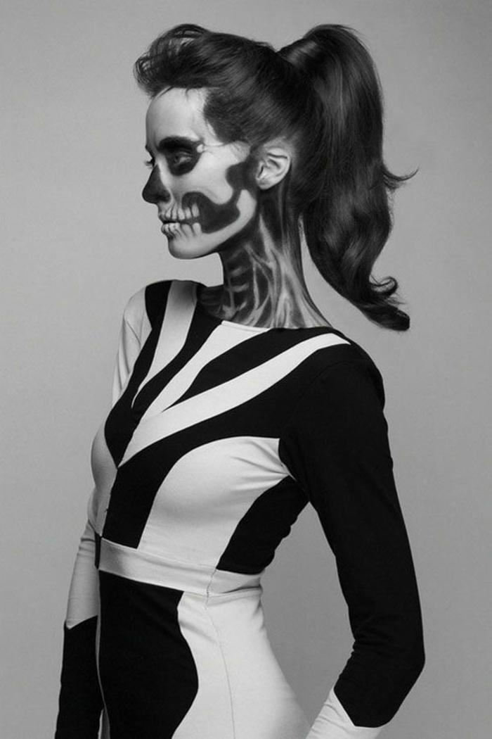 originale-coutume-Halloween-idées-fête-Toussaint-photo-noir-et-blanc-jolie