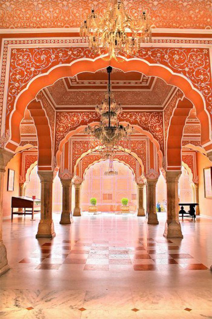 palais-indien-ambiance-architecture-monumentale