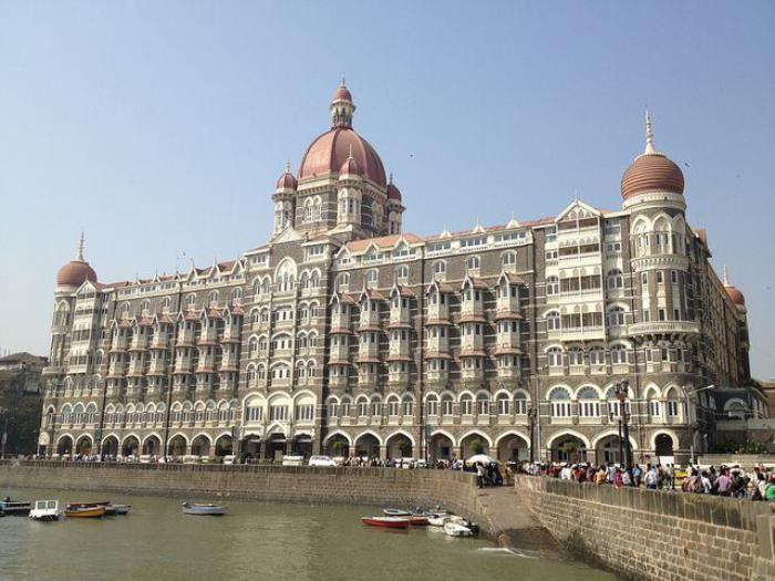 palais-indien-architecture-phénoménale-en-Inde-l'hôtel-Taj-Mahal