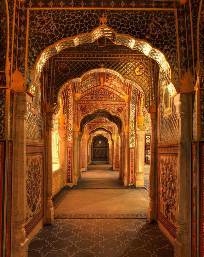 Visiter l 39 inde rester dans un palais indien pour le week for Architecture inde